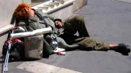 clochard-sdf-rue-marseille-2208000_224