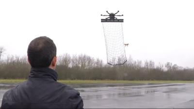 Le 20 heures du 25 février 2015 : Drones sur Paris : que risquent concrètement les pilotes ? - 412.997
