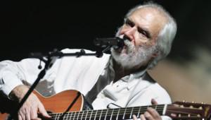 Le chanteur Georges Moustaki en 2005.
