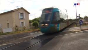 Le 13 heures du 2 juin 2015 : Le passage à niveaux de La Haie-Fouassière, l'un des plus dangereux de France - 272