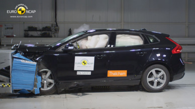 Volvo V40 2012 Crash-test EuroNCAP