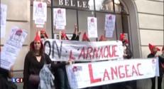 Syndicats, profs et parents dans la rue contre la réforme des collèges