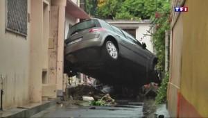 Voitures abîmées, habitations inondées et routes coupées, la Martinique sous les eaux