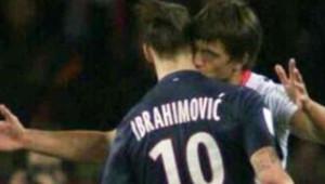 Zlatan Ivrahimovic bisouté par Renato Civelli