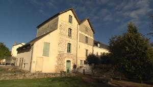 Le 13 heures du 29 octobre 2014 : Au coeur de Saumur (3/5) : visite d%u2019un moulin �au du 12e si�e - 2234.900610107422