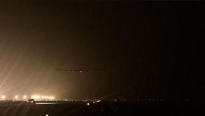 L'avion solaire Solar Impulse II au décollage de Chine, en route pour sa traversée du Pacifique