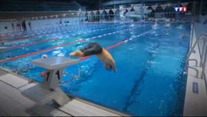 Le 20 heures du 8 janvier 2014 : Le r� olympique de Th�Curin, nageur handisport de 13 ans - 1728.8275922851565
