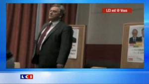 Face à une salle vide, le candidat PS craque