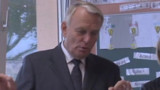"""Ayrault : Duflot fait un """"travail formidable"""""""