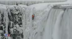 Un homme escalade les chutes du Niagara... sur 54 mètres !