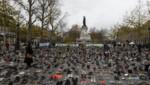 """Des centaines de chaussures """"marchent"""" place de la République le 29 novembre 2015 à l'occasion de la COP 21 organisée au Bourget"""