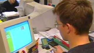 emplois jeunes ordinateur emploi economie