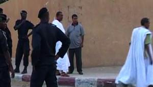 Les policiers aux abords de l'ambassade de France après l'attentat