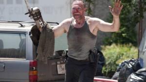 The Walking Dead Saison 3 Episode 6. Série créée par Frank Darabont en 2010. Avec : Andrew Lincoln, David Morrissey, Sarah Wayne Callies, Laurie Holden et Danai Gurira.