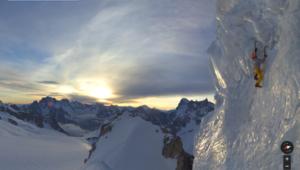 Ueli Steck escaladant un Serac (Triangle du Tacul)
