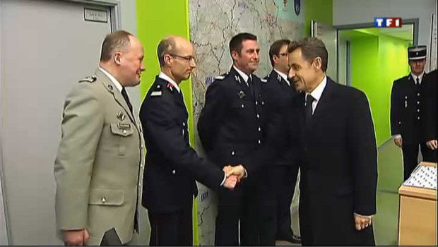 En 2012, Nicolas Sarkozy rend hommage aux fonctionnaires