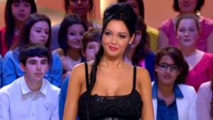 Nabilla, invitée du Grand journal de Canal+ le 11.04.2013