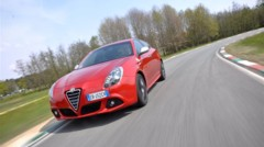 Photo 1 : Essai Alfa Romeo Giulietta 1750 TBi Quadrifoglio Verde : raviver la flamme