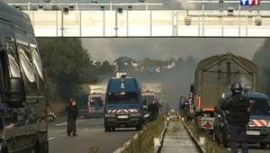 Une manifestation en Bretagne contre la mise en place des portiques écotaxe. Initialement prévu pour entrer en vigueur le 1er janvier, cet impôt a été suspendu.