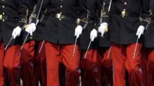 L'école de Saint-Cyr à Coëtquidan, dans les Morbihan, forme les officiers de l'armée de Terre/Ici lors du défilé du 14-Juillet - Image d'archives