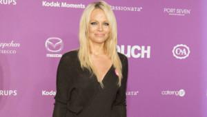 Pamela Anderson lors du 10ème anniversaire du magazine In touch à Los Angeles en septembre 2015