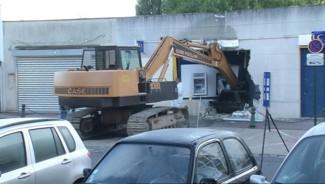 Une banque du Plessis-Robinson (Hauts-de-Seine) a été attaqué mardi 31 août avec une pelletteuse.