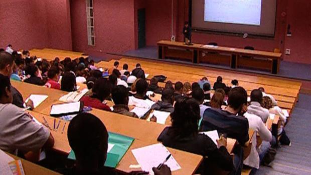 amphi amphithéâtre étudiants fac université