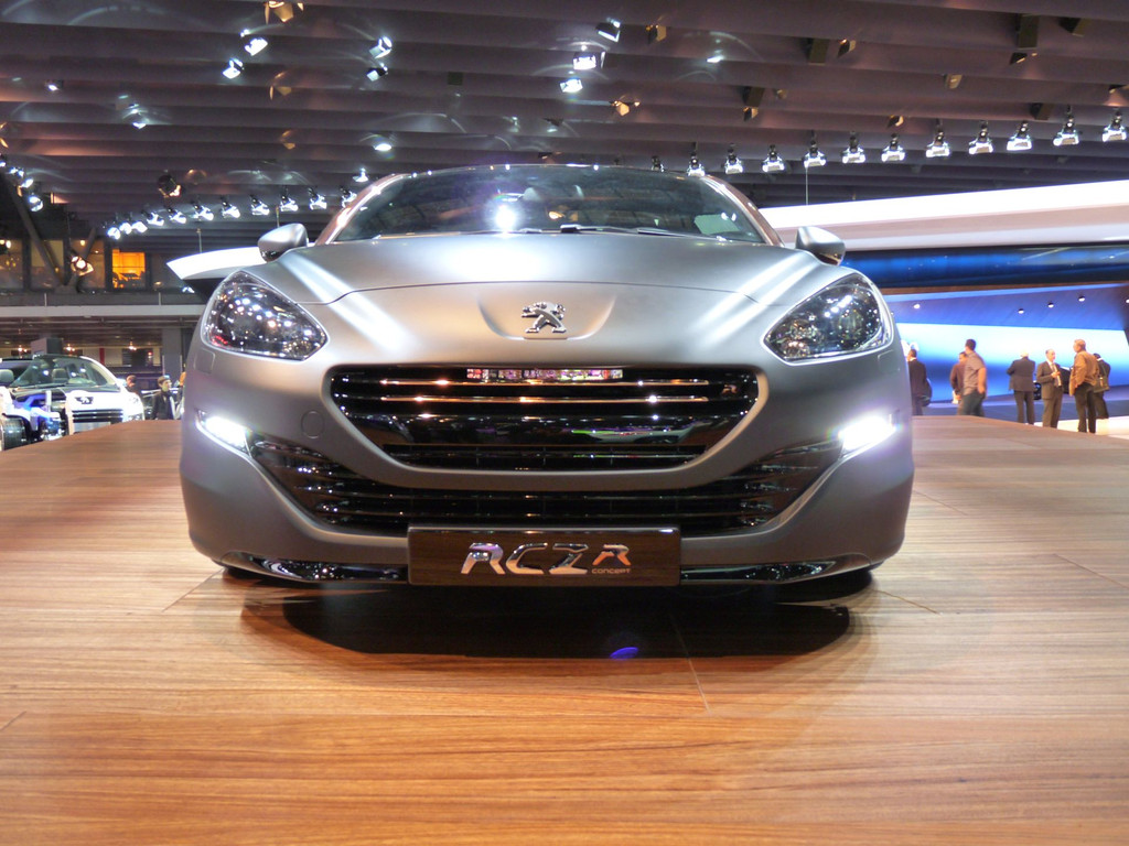 Peugeot rcz r concept mondial auto 2012 14 10774034rojvh