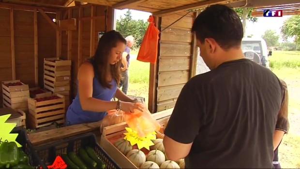 La vente de fruits et légumes au bord des routes fait des heureux