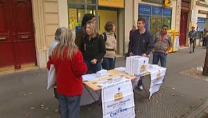 """Point de vote pour la """"votation citoyenne"""" sur le statut de La Poste dans le XVIIIe arrondissement de Paris (3 octobre 2009)"""