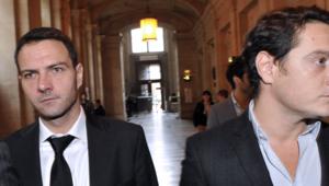 Jérôme Kerviel (à G) avec son avocat Me Koubbi est reparti discrètement du Palais sans faire de déclaration après sa condamnation en appel le 24 octobre 2012.