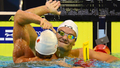 Florent Manaudou et Fabien Gilot, en or et en argent sur le 100 m nage libre lors des Championnats d'Europe à Berlin, le 22 août 2014.