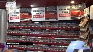 Colère des buralistes : des tonnes de carotte déversées devant le ministère de l'Economie