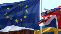 Les drapeaux des pays membres de l'Union Européenne.
