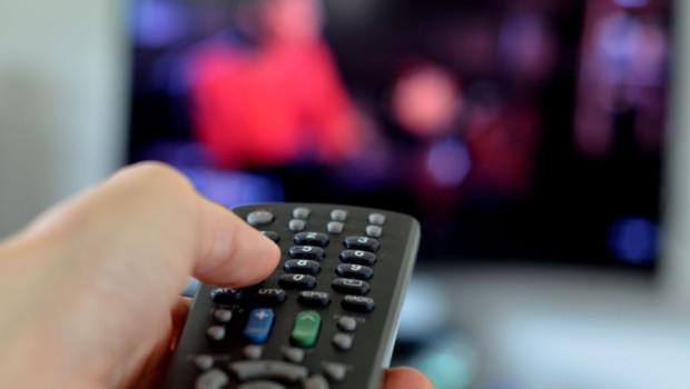 Télévision télécommande programme TV écran