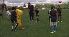 Dans cette école de rugby, le futur Dusautoir donne son pronostic contre l'Irlande