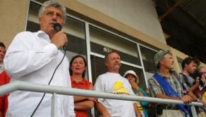 Philippe Martin, président du conseil général du Gers, aux côtés de José Bové et Alain Lipietz