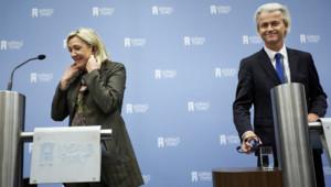 Marine Le Pen et Geert Wilders, le 13/11/13, à La Haye (Pays-Bas).