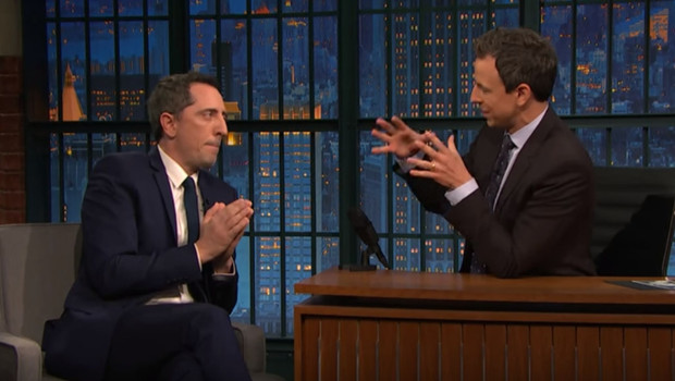 Gad Elmaleh dans le Late Night With Seth Meyers le 20 janvier 2016.