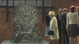 La reine Elisabeth et le trône de fer