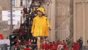 Spectacle de la troupe Royal de luxe pour les 20 ans de la chute du Mur de Berlin (octobre 2009