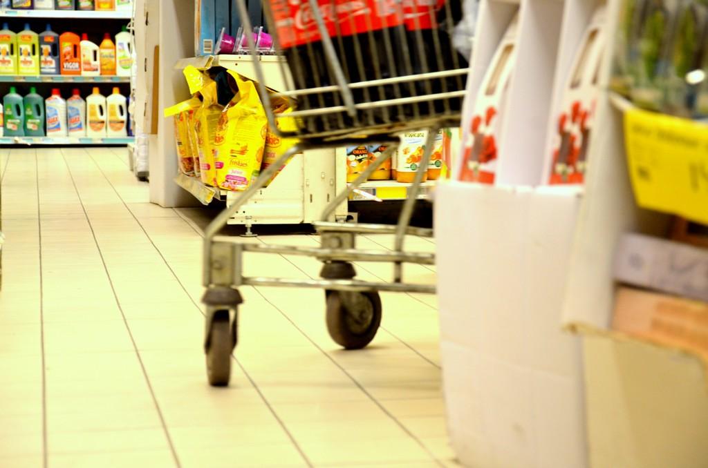 Des débris de verre découverts, Intermarché retire 8000 conserves ...