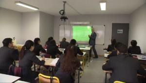 Le 20 heures du 2 janvier 2015 : Ecole de formation au tourisme : A l'école Vatel, la pratique est la clé de la réussite - 1416.2031865234376