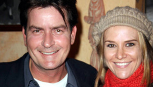 Charlie Sheen, Brooke Mueller, 3e épouse, parents de jumeaux