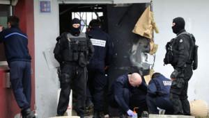 La porte d'entrée de la prison de Sequedin, dans le Nord, détruite par Redoine Faïd lors de son évasion le 13 avril 2013.