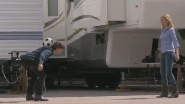 Tom Cruise et Cameron Diaz en pleine séance de jongle !