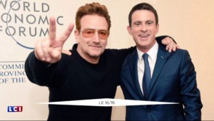 Davos : quand Manuel Valls prend la pose avec Bono, le chanteur de U2