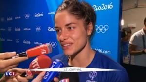 JO 2016 : le soulagement des handballeuses françaises, qualifiées pour la demi-finale