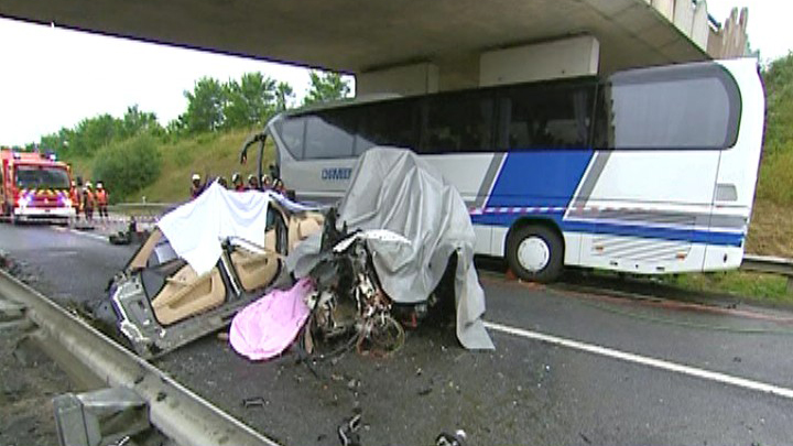 Accident De Car En Ille De France