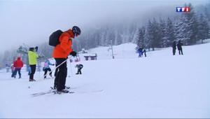 Le 13 heures du 21 février 2014 : Chass�rois�es vacanciers dans les stations de ski - 1917.587